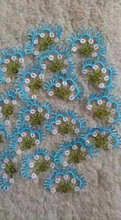 Crochet Crafts, Knit Crochet, Needle Tatting Patterns, Tatting Jewelry, Embroidery On Clothes, Diy And Crafts, Quilts, Knitting, How To Make