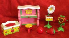 Strawberry Shortcake Berry Happy Home Fun Room Furniture Strawberry Shortcake Doll, 90s Childhood, Cool Rooms, Dollhouse Furniture, Vintage Dolls, Fashion Dolls, Berries, Fancy, Christmas Ornaments
