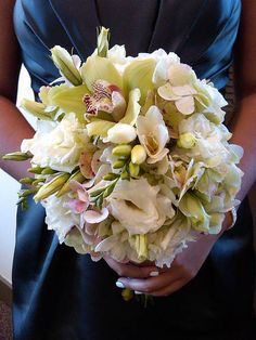 Orchid Bouquet.  Looks a lot like mine did. :)