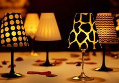 Originálna lampa, ktorú vyrobíte z pohára na víno vás očarí natoľko, že svietiť obyčajným svetlom pri grilovačke už nebudete.