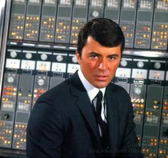 James Darren - The time tunnel - 1966 Great Tv Shows, Old Tv Shows, Movies And Tv Shows, Lee Meriwether, Science Fiction, Time Travel Machine, The Time Tunnel, James Darren, Irwin Allen