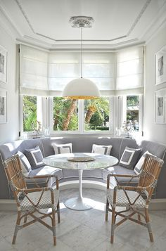 Lovely Paint Ideas for Vaulted Ceiling Rooms