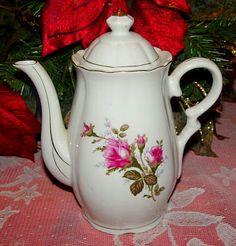 Moss Rose scalloped  coffee pot