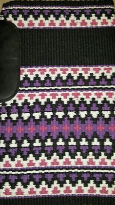 Show Diva Designs new 34x40 wool pad in black, purple, white and pink with wear leathers. www.showdivadesigns.com