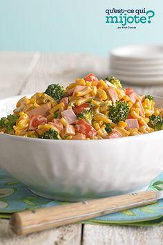 Salade Kraft Dinner pour pique-niques #recette Kraft Dinner, Deli Ham, Broccoli Florets, Cooking Instructions, Calories, Frozen Desserts, Home Recipes, What To Cook, Original Recipe
