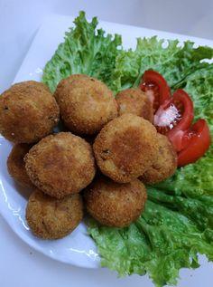 Δεν θα το σκεφτόσουν ποτέ! Κεφτεδάκια με πατάτα και τόνο.. Baked Potato, Potatoes, Meatball, Baking, Ethnic Recipes, Food, Fish Dishes, Easy Meals, Bakken
