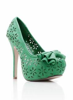 super cute!! I need these.