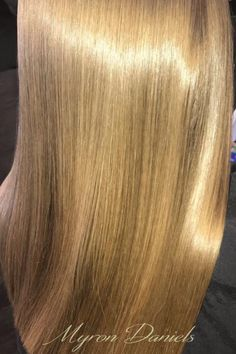 America's Best Source for Superb Italian Hair Products Dip Dye Hair, Dyed Blonde Hair, Blue Hair, Bob Hairstyles For Thick, Beautiful Hairstyles, Weave Hairstyles, Renaissance Hairstyles, Italian Hair, Glossy Hair