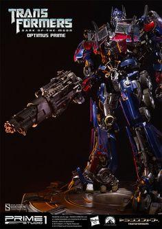 Transformers Optimus Prime Statue by Prime 1 Studio Transformers Decepticons, Transformers Optimus Prime, Star Wars Poster, Star Wars Art, Star Trek, Creature Movie, Energy Sword, Star Wars Girls, Anime Figurines