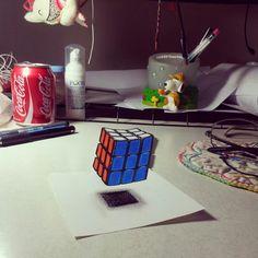 Desenho em 3D ....copiando um tutorial....deu certo! Cubo mágico flutuante... Incrível!!!