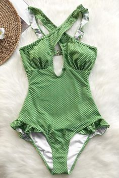Tummy Control Swimsuits for women at Cupshe come in all styles & sizes. Find the perfect swimsuit from one piece to bikinis, Shop and save on popular women's swimwear & bathing suits. Mode Style, Style Me, Summer Outfits, Cute Outfits, Retro Mode, Cute Swimsuits, Beach Look, Bathing Beauties, One Piece Swimsuit