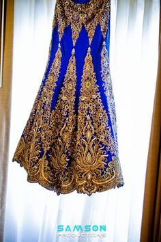 Now THAT'S a lengha skirt! only it would hv been perfect in wine red or maroon.