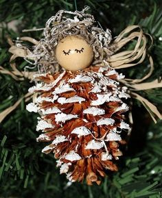 christmas decorations using pine cones | pine cone Christmas decoration | Christmas Time