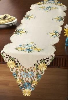 Country Style Spring Yellow Blue Daisy Embroidered Table Runner | eBay