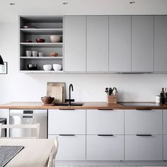 grey kitchen interior via Kitchen Dinning, Home Decor Kitchen, Interior Design Kitchen, Kitchen Furniture, New Kitchen, Home Kitchens, Cheap Furniture, Kitchen Sinks, Minimal Kitchen Design