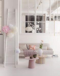 Japanse huiskamer - vtwonen  Styling Cleo Scheulderman   Fotografie Jeroen van der Spek  #interior #decoration #pink #white