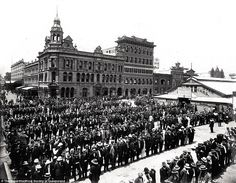 Brisbane General Strike, Albert Square, The strike began on 18 January 1912 when mem. Brisbane Queensland, Brisbane City, Queensland Australia, Melbourne, Old Photos, Vintage Photos, General Strike, Australian Continent, Vintage Architecture