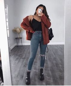 12 warm winter outfits that are still chic Thanks a million. warm Winter Outfits For Women Check the webpage for more . warm Winter Outfits For Women Top 9 Simple Formal Outfits for You to Lo. Nye Outfits, Cute Casual Outfits, Winter Fashion Outfits, College Outfits, Girl Outfits, Formal Outfits, Looks Chic, Aesthetic Clothes, Womens Fashion