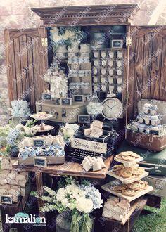 www.kamalion.com.mx - Mesa de Dulces / Candy Bar / Postres / Evento / Blanco & Azul / White & Blue / Vintage / Rustic Decor / Dulces / Librero / Lecheros / Maletas / Cumpleaños.