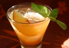 Whiskey peach smash
