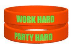 Du planst die nächsten großen Events 2018.. gestalte jetzt deine individuellen Armbänder dazu, mit eurem Motto, coolen Logos und in bunten Farben der passende Begleiter zu jeder Veranstaltung und ein tolles Geschenk dazu. Jetzt loslegen auf ownband.de #ownband #Armband #Party #2018 #Events #DiY