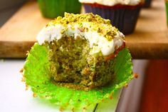 Pistachio Cupcakes with Buttercream Frosting. I love everything pistachio, wonder if i can veganize this. Buttercream Frosting For Cupcakes, Baking Cupcakes, Yummy Cupcakes, Cupcake Recipes, Baking Recipes, Cupcake Cakes, Dessert Recipes, Buttercreme Frosting, Cupcake Ideas