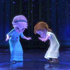 Disney Frozen Elsa and Anna Anna Und Elsa, Frozen Elsa And Anna, Disney Frozen Elsa, Frozen Wallpaper, Disney Wallpaper, Disney Princess Pictures, Disney Pictures, Disney And Dreamworks, Disney Pixar