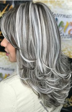 favorite silver hair highlights short My favorite ❤️❤️ My favorite ❤️❤️ 549298485801959303 Bob Hairstyles For Thick, Cool Hairstyles, Pelo Color Plata, Gray Hair Highlights, Long Gray Hair, Gray Silver Hair, Dyed Hair, Curly Hair Styles, Hair Cuts