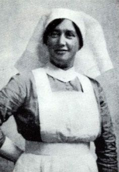 Elizabeth O' Farrell nurse and dispatcher delivering bulletins and instructions to rebel outposts around Dublin in Delivered the surrender in 1916 Ireland 1916, Calvin And Hobbes Comics, Irish News, Old Irish, Erin Go Bragh, Women In History, Local History, Family History, Michael Collins