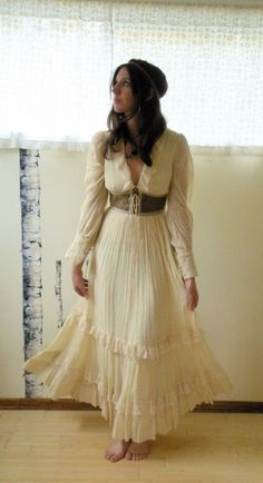 Gorgeous Gypsy ✾ Boho Linen Dress, via http://My-WeddingDream.com/linen-wedding-dresses/