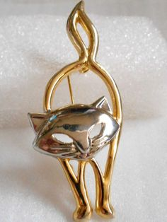 ADORABLE+Vintage+Silver+&+Gold+Stretching+CAT+PIN+~Signed+JJ~~Extra+Long+
