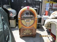 "WURLITZER 750 78 - RPM 24 records 24 selection This will be a professionally rebuilt/restored 1941 Wurlitzer 78 - RPM jukebox model ""750-E"""