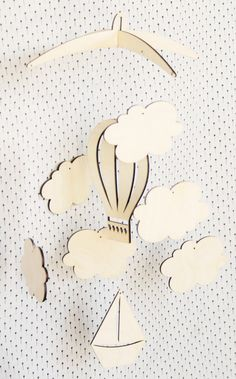 Air balloon Mobile Nursery Room Mobile Baby Mobile by momoodesign Laser Cutter Ideas, Laser Cutter Projects, Cnc Projects, 3d Laser, Laser Cut Wood, Laser Cutting, Balloon Clouds, Balloons, Air Balloon