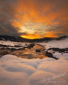 White River Sunrise by Gary Randall. I encourage you all to go check out his gallery on Flickr by simply clicking through then photo. He's got some AMAZING shots.