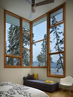 North Lake Wenatchee House Design by DeForest Architects - Architecture & Interior Design Ideas and Online Archives Beautiful Interiors, Beautiful Homes, Window Grill Design, Sleeping Porch, Interior And Exterior, Interior Design, Indian Homes, Secret Rooms, Design Case