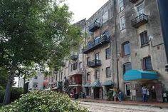 historical buildings in Savannah