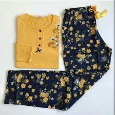 Pijamas Cute Pajama Sets, Cute Pajamas, Pajamas Women, Beautiful Outfits, Cool Outfits, Night Gown Dress, Pajama Outfits, Suit Pattern, Night Suit