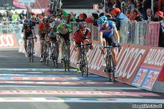2014 giro-d-italia photos stage-15 - Ryder Hesjedal (Garmin - Sharp) leads in a group including Cadel Evans (Bmc), Wilko Kelderman (Belkin) and Domenico Pozzovivo (Ag2r La Mondiale) for 9th 1:13