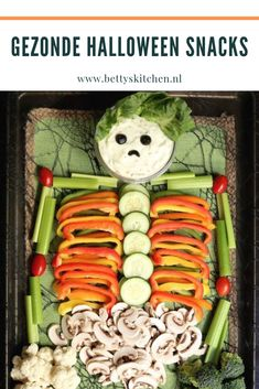 Skeleton Veggie Tray for Halloween. This is a healthy Halloween recipe idea that's perfect kids! Halloween Punch, Halloween Recipe, Halloween Ideas, Halloween 2020, Halloween Party Appetizers, Halloween Dinner, Christmas Appetizers, Creamed Cucumbers, Gluten Free Puff Pastry