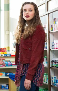 Um, 13 Reasons Why's Katherine Langford Is an INCREDIBLE Singer Don't even pretend you haven't been googling the hell out of the cast of 13 Reasons Why. Bikini Images, Bikini Pictures, Bikini Pics, Hot Actresses, Hollywood Actresses, Hannah Baker Thirteen Reasons Why, 13 Reasons Why Netflix, Maroon Jacket, Most Beautiful Indian Actress