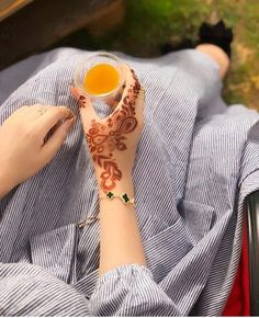 Please follw for more dpz Henna Designs Back, Latest Henna Designs, Indian Henna Designs, Hena Designs, Mehndi Designs 2018, Stylish Mehndi Designs, Bridal Henna Designs, Arabic Mehndi Designs, Mehndi Designs For Hands