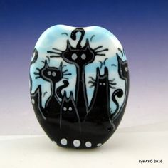 034-HERE-COMES-TROUBLE-034-byKAYO-a-Handmade-KITTY-CREW-Lampwork-Glass-Focal-Bead-SRA