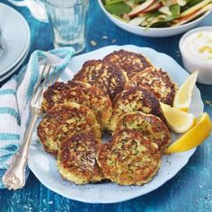 Image for Zucchinibiffar med äppelsallad Vegetarian Cooking, Easy Cooking, Tasty, Yummy Food, Snacks, Lchf, Bagel, Zucchini, Food And Drink