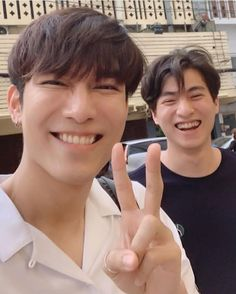 TharnType the series [new BL ] Goblin Gong Yoo, Thailand Elephants, The Moon Is Beautiful, Young Cute Boys, Korean People, Cute Gay Couples, E Type, Thai Drama, A Guy Who