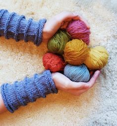 Nøsteblogg - Nøstebarns blogg: Strikking Fingerless Gloves, Arm Warmers, Knitting, Vegetarian, Healthy, Recipes, Mittens, Fingerless Mitts, Tricot