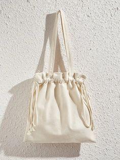 Diy Tote Bag, Cute Tote Bags, Diy Bag Designs, Kleidung Design, Side Bags, Canvas Tote Bags, Canvas Shopper Bag, Canvas Totes, Cloth Bags