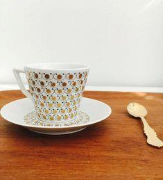 "Rare vintage Arabia Finland gilded porcelain coffee cup with saucer named"" Mekka"" Esteri Tomula, Made in Finland Coffee Cups, Tea Cups, Mekka, Scandinavian Style, Glass Jars, Finland, Vintage Shops, Porcelain, Pottery"