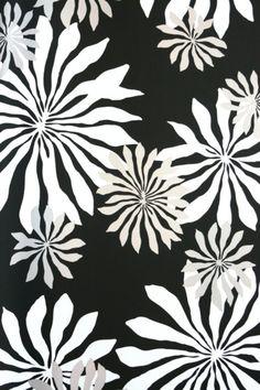 Diese wunderschönen, zeitlosen Tapeten von Miss Print werden aus PEFC-Zertifiziertem Papier und umweltfreundlich in England hergestellt. Die Illustrationen wurden ursprünglich von Hand...
