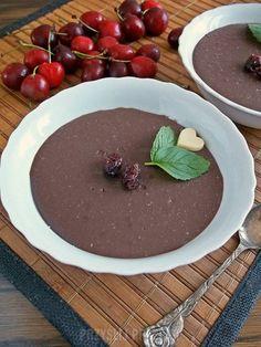 Wegański budyń kakaowy z mlekiem ryżowym (bez jajek, bez glutenu) Chocolate Fondue, Tiramisu, Pudding, Food, Custard Pudding, Essen, Puddings, Meals, Tiramisu Cake