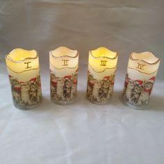"""Diese handelsüblichen LED-Kerzen mit Timer, wurden mittels Serviettentechnik, Kerzenstift und Glitter verziert. Für den Betrieb sind je 2 Stk. """"AAA 1,5 V"""" Batterien erforderlich. Advent, Pillar Candles, Christmas, Deco, Candles"""